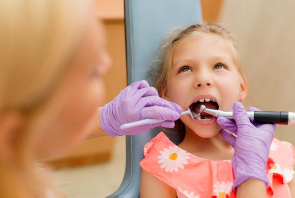 menina-no-dentista